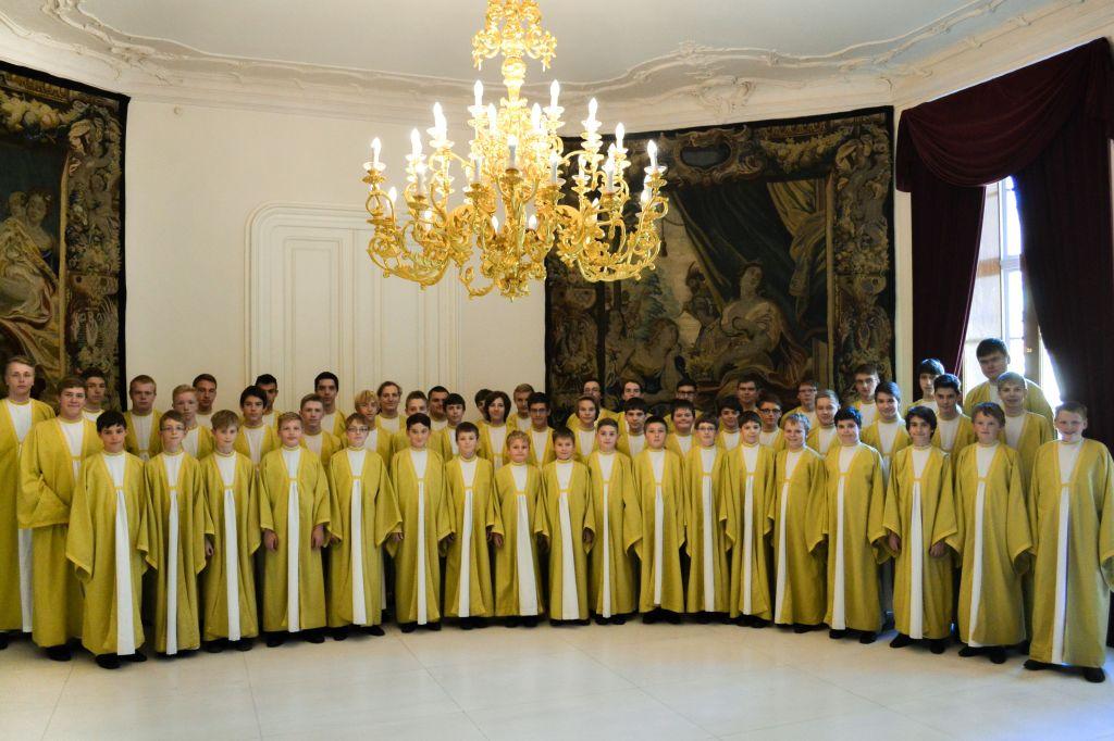 Boni pueri promo - Královský palác PH - úprava